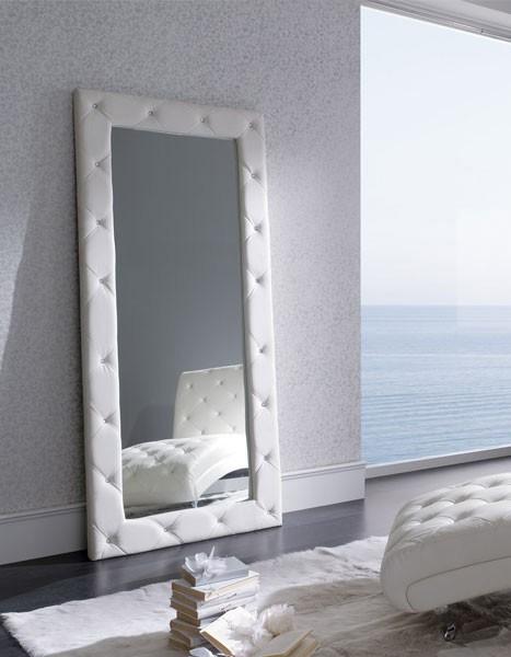 Espejo de gran tamaño tapizado en polipiel Mod. E-95